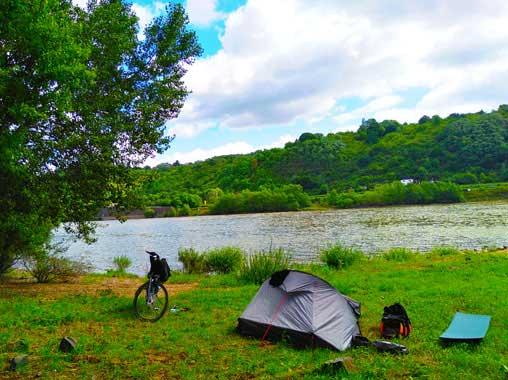 Weltreise-Poesie-Blog-Artikel: DIE 5 VERBLÜFFENDSTEN GEHEIMNISSE DEINES SELBST. Wie ein selbstbestimmtes Fahrrad Abenteuer sie dir offenbart und deinen Charakter stärkt