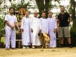 Als ich in Thailand einen israelischen Mönch kennenlernte, hat er mir empfohlen in das Nonnenkoster zu gehen, in welchem er 2 Jahre verbrachte. Das sind die buddhistischen Nonnen die mich aufnahmen.
